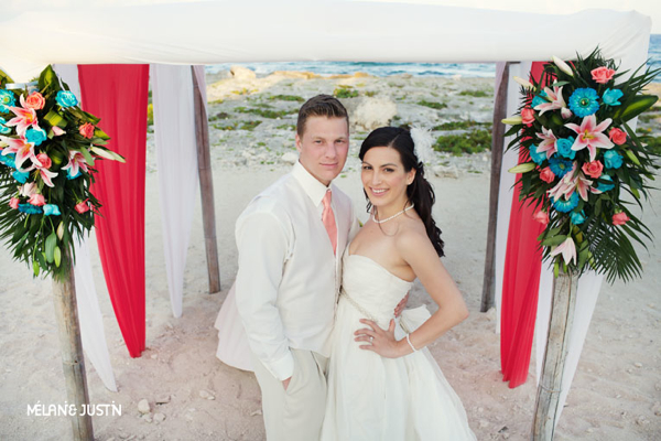 destination wedding at the Grand Sirenis Mayan Beach Resort